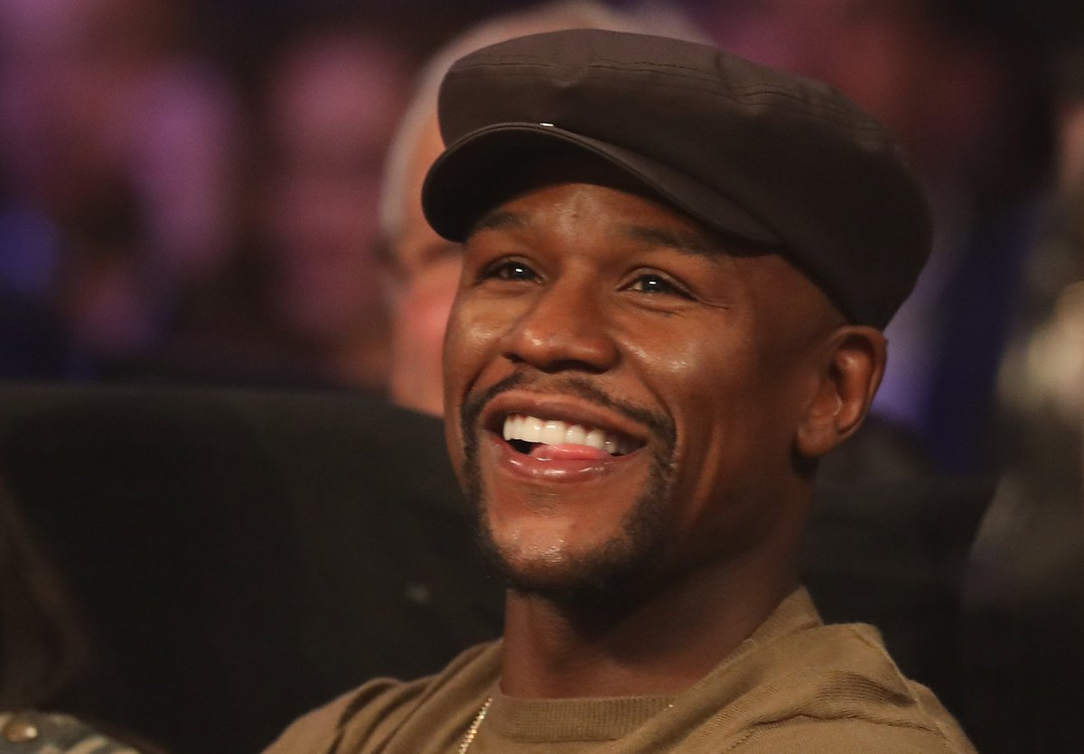 Floyd Mayweather Jr. Sits Ringside for Manny Pacquiao vs. Jessie Vargas Fight