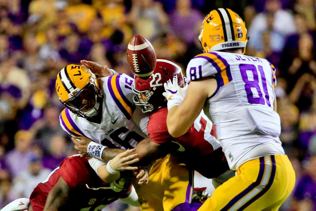 LSU smothered by Alabama's defense; top 25 NCAA football roundup