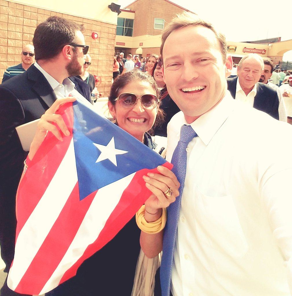 Our next US Senator for Florida @PatrickMurphyFL. Let's bring him to the Hill! #electionday #PuertoRicansinFlorida https://t.co/SSZVNNWzxE