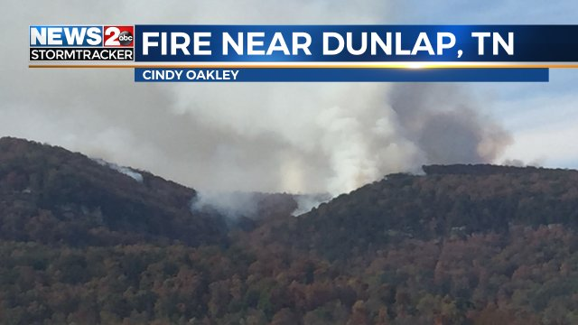Smoke from a forest fire on the Cumberland Plateau near Dunlap. Fire danger is high! Fcst at https://t.co/ji4FXIQYLi https://t.co/lRmQVcPUQe