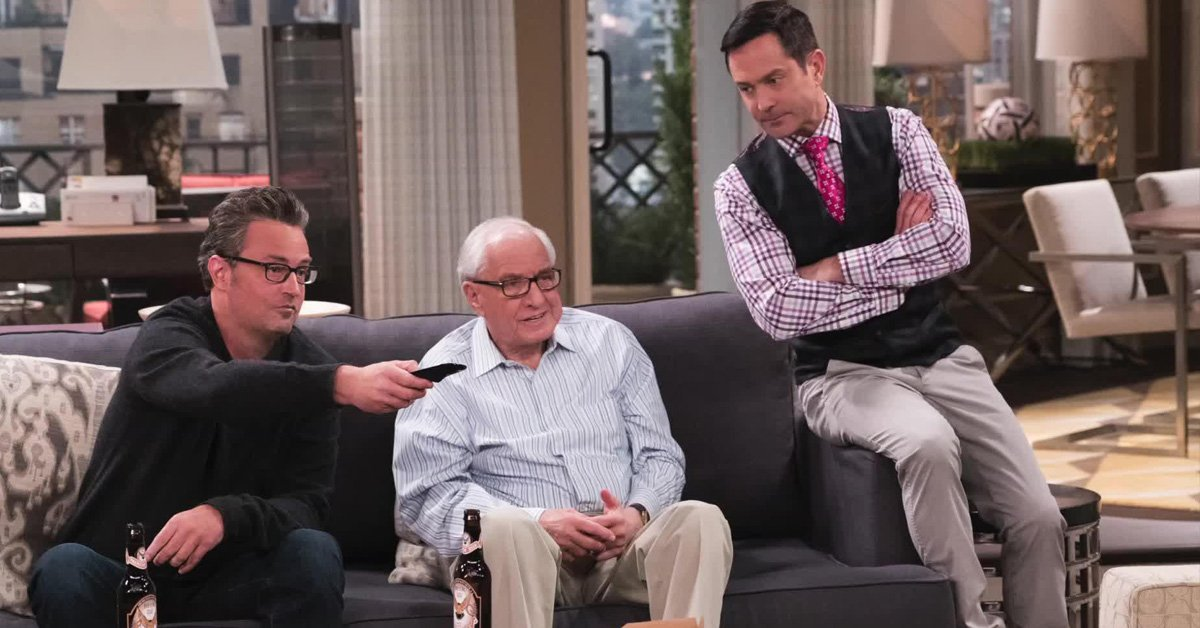 RT @extratv: First look at @TheOddCoupleCBS tribute episode to Gary Marshall: https://t.co/atScdL6EJS https://t.co/RDNfp2lQt7