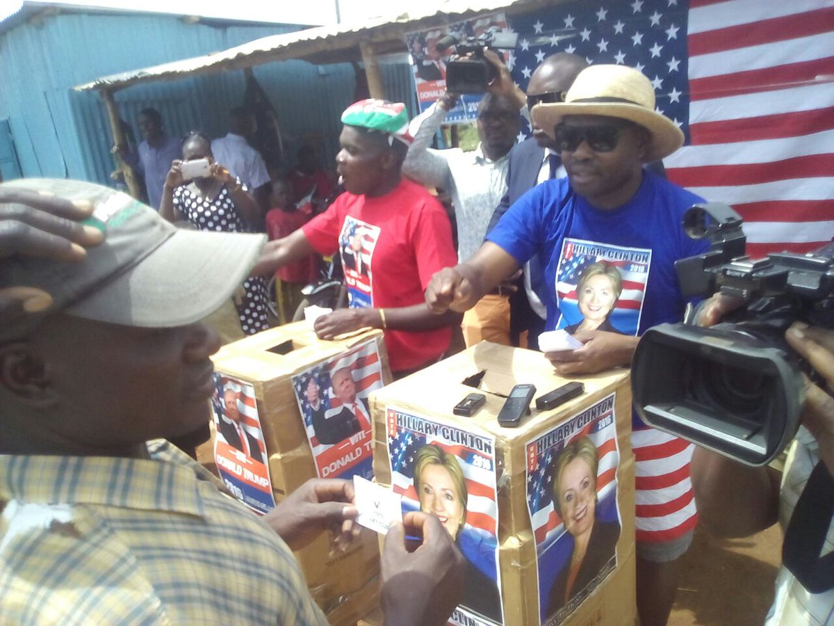 @HillaryClinton wins in mock elections in @BarackObama's rural Kenyan village of Kogelo #USADecides  #KogeloDecides https://t.co/MHNFe9ZUX2