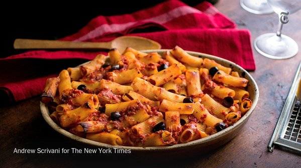 Greet Thanksgiving guests with this grown-up version of mac and cheese