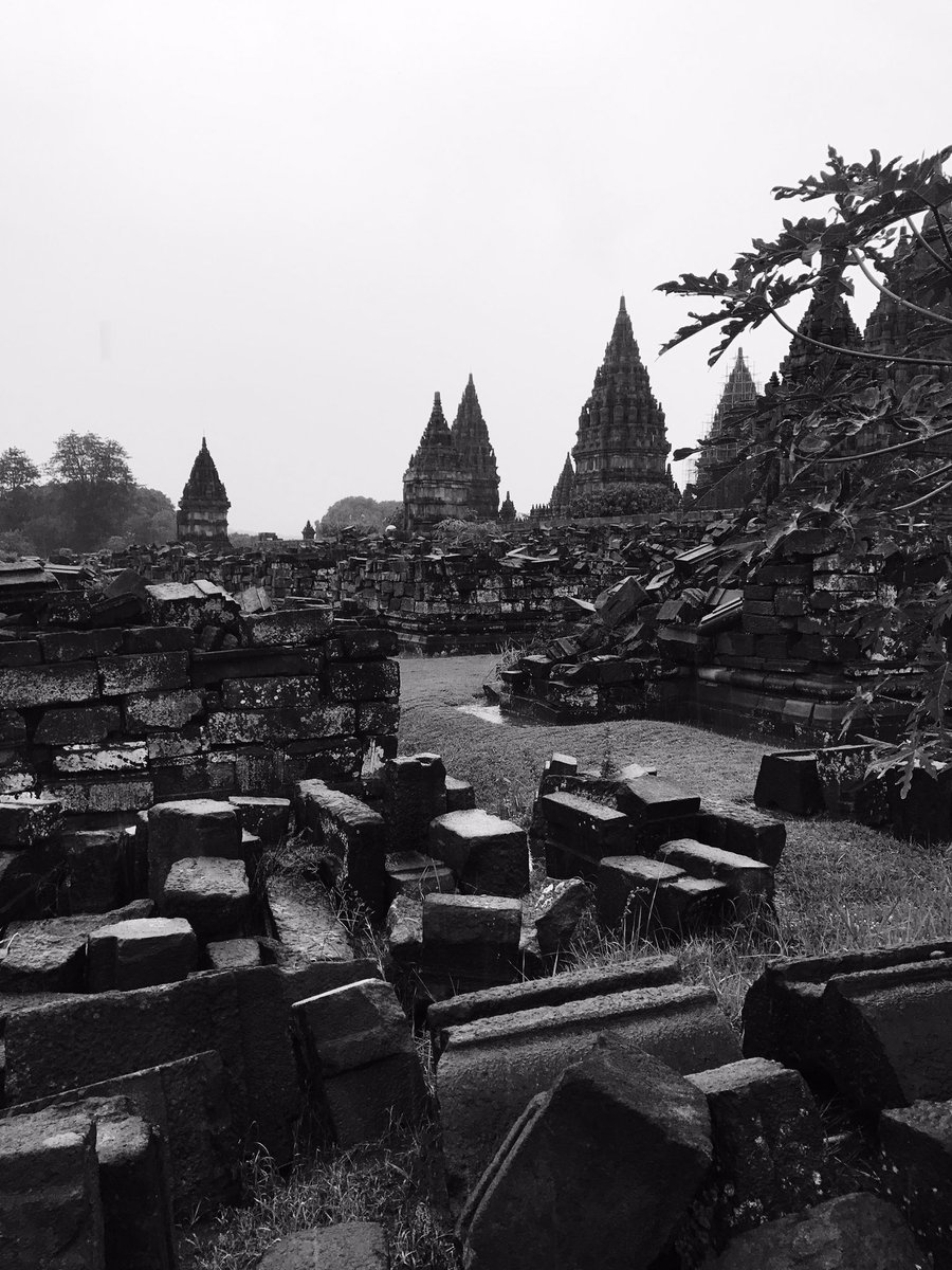 Just had a lovely walk around Prambanan Temple in South East Asia ???????? https://t.co/pbUlrf6d1j