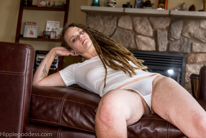 Preview of Hairy girl Jupiter shooting for https://t.co/G5jLeDI0Gz   #hirsute, #dreadlocks, #hairywoman