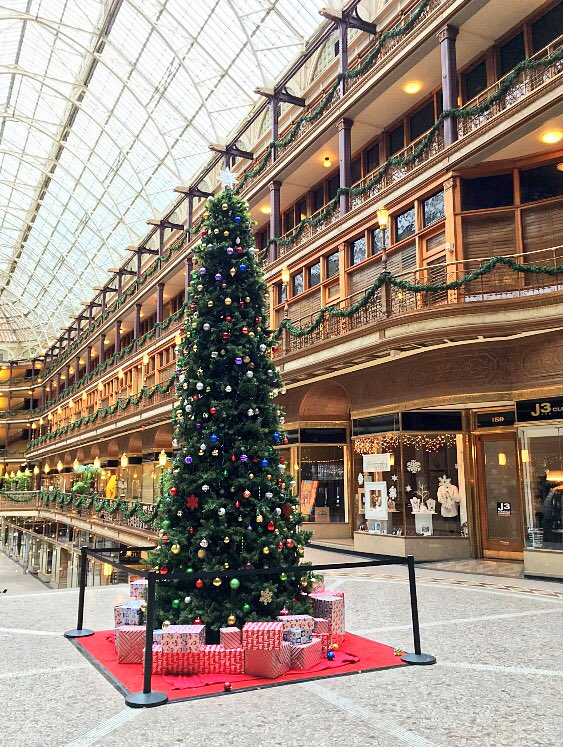It's looking very festive in The Arcade @InTheCLE #thisiscle https://t.co/UfmzK19CzW