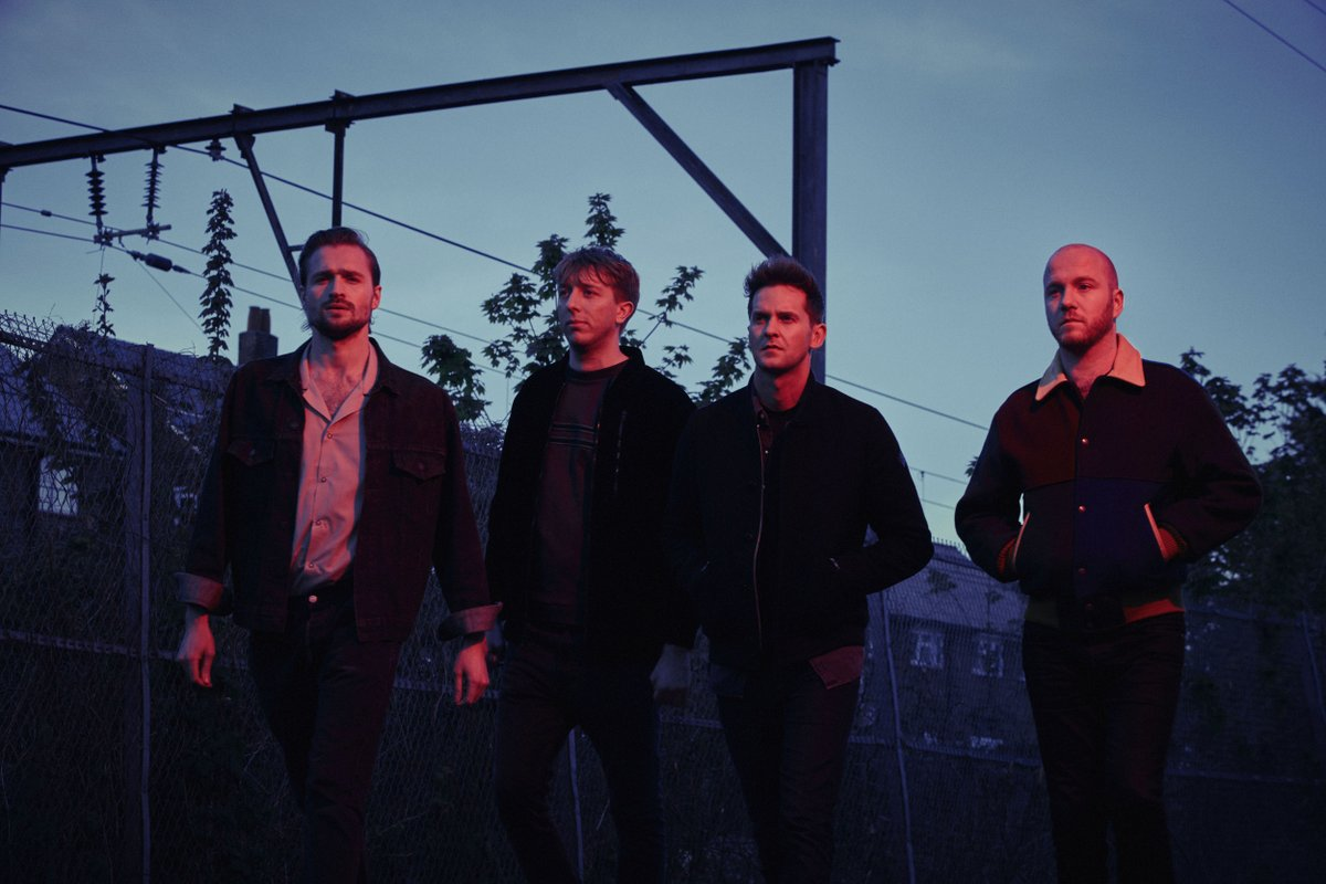 we've got 2 tickets to see @WildBeasts with @porcelainraft on 11/16. to win, simply retweet. https://t.co/Eizx0a4hKO https://t.co/9GfTIWGs0P