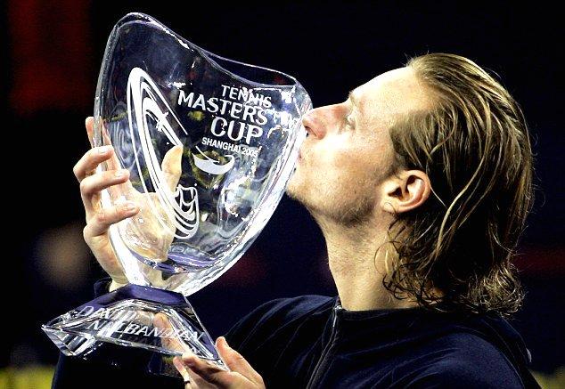 Se cumplen 11 años del título en el Torneo de Maestros de 2005 de Shanghai. Inolvidable momento de mi carrera. https://t.co/4NDZJjGMdW