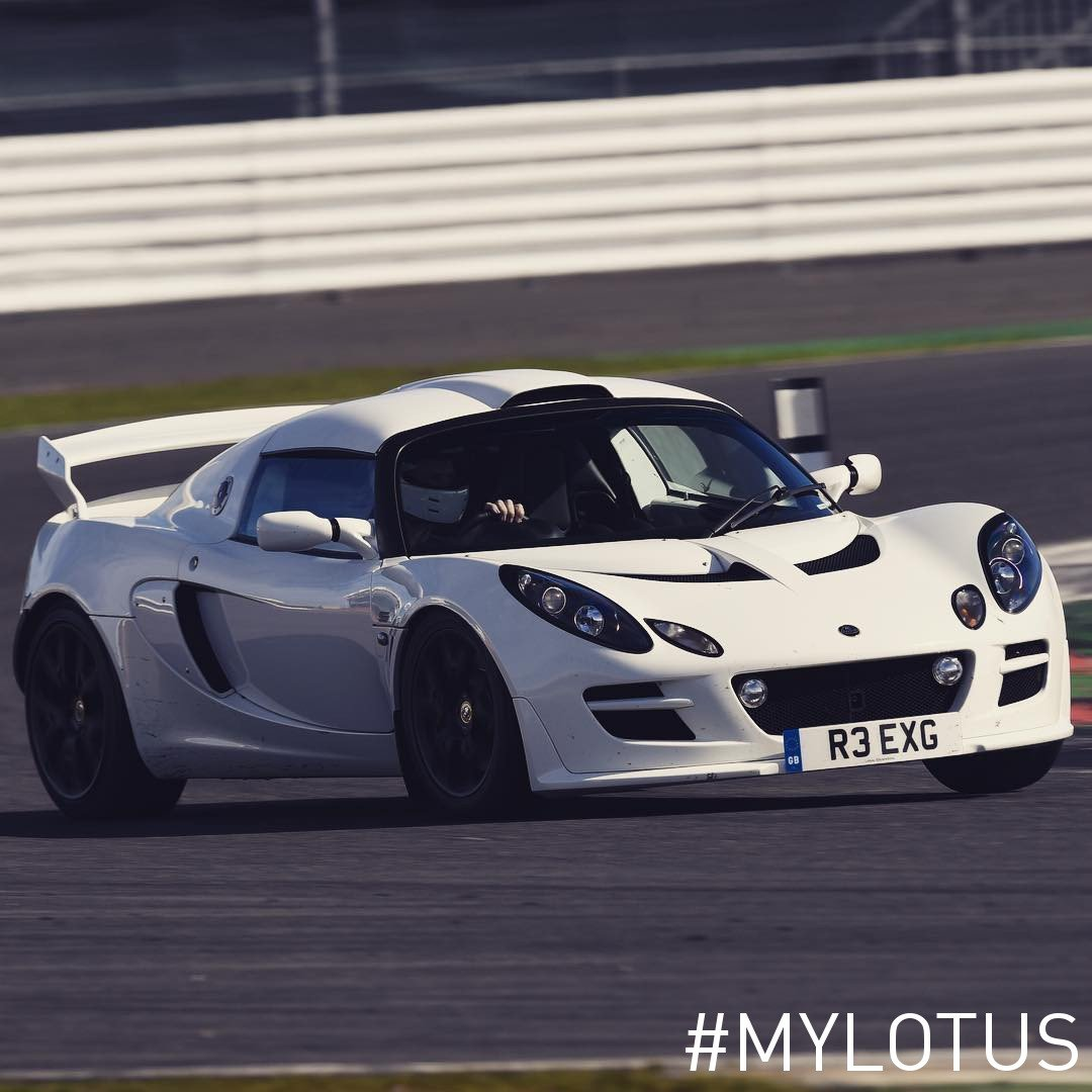 How do you spend your weekend? On track or on road, make sure to spend it in a Lotus!   📸 : Mikepeacock1989 https://t.co/xSZHIYaHbW
