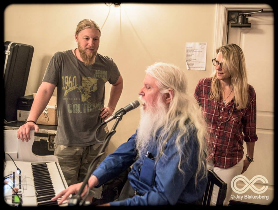 Farewell friend. It was an honor to watch you work @leonrussell https://t.co/NmOGsnDODC