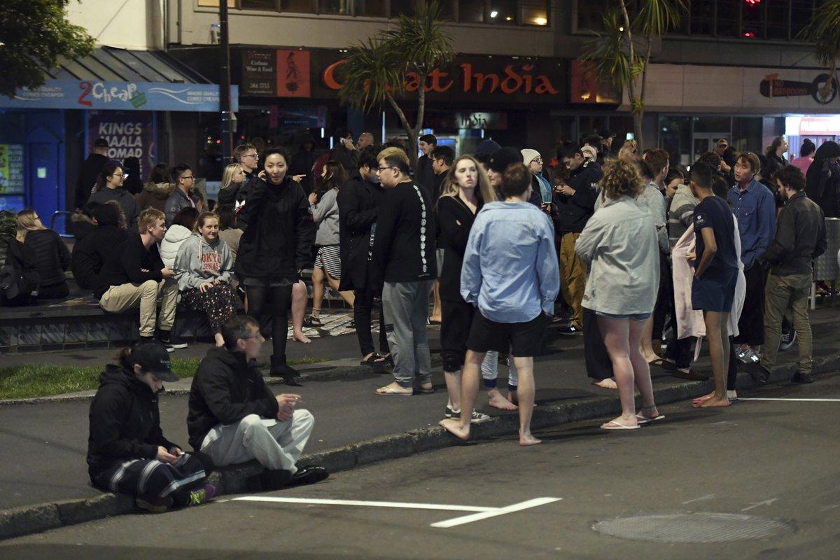 UPDATED: Powerful quake strikes near New Zealand, triggering tsunami