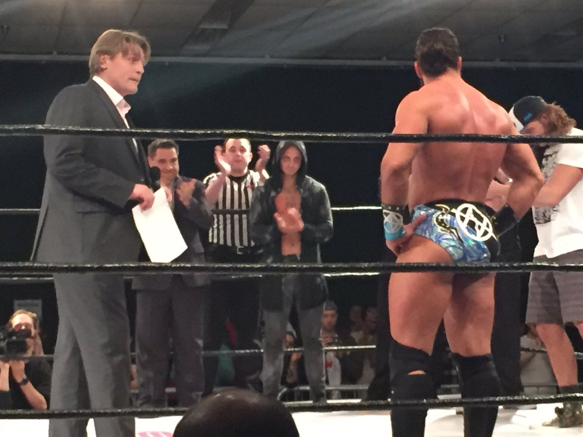 William Regal just offered @TonyNese a full time @WWE contract #EVOLVE73 https://t.co/A0FuVrdkw9
