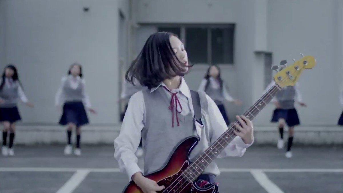 """大阪出身の平均年齢16歳のガールズバンド""""""""GIRLFRIEND""""""""。待望のデビュー曲「Hide & Seek」のMVが"""