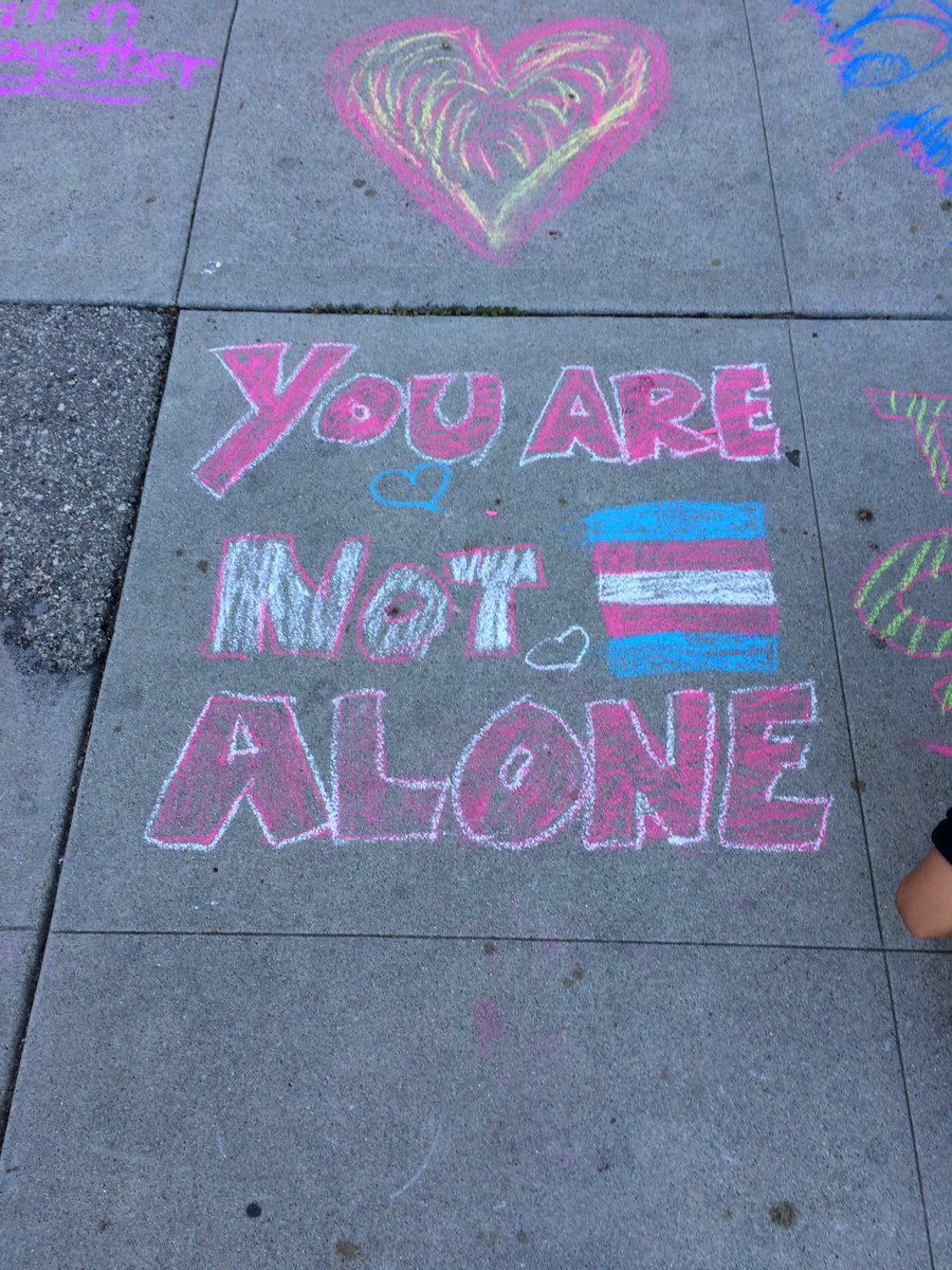 Today we shared messages of hope & love. #neighborhoodlovenotes #unitarianuniversalist #LoveWins https://t.co/1pADp0xdsY