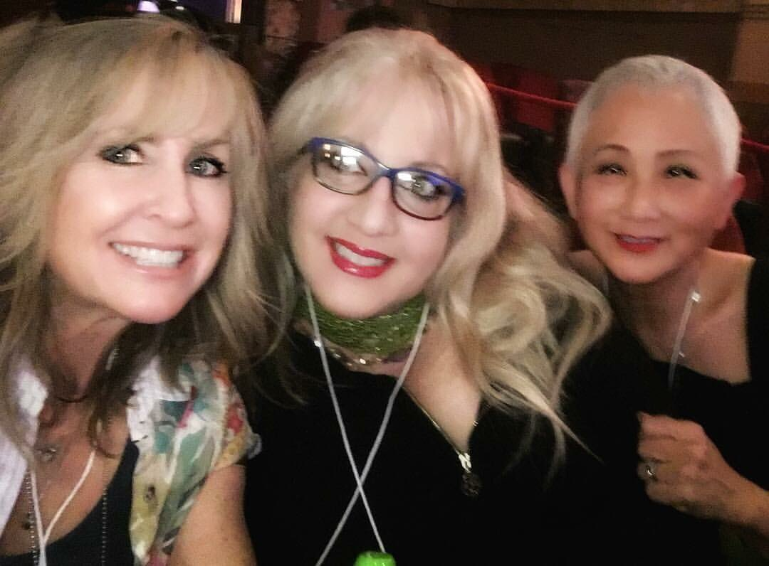 Waiting for our turn to speak w/ @LoriMoreno @terrinakamura at @CrestWestwood #twitter #140conf #losangeles https://t.co/TciDhReMMf