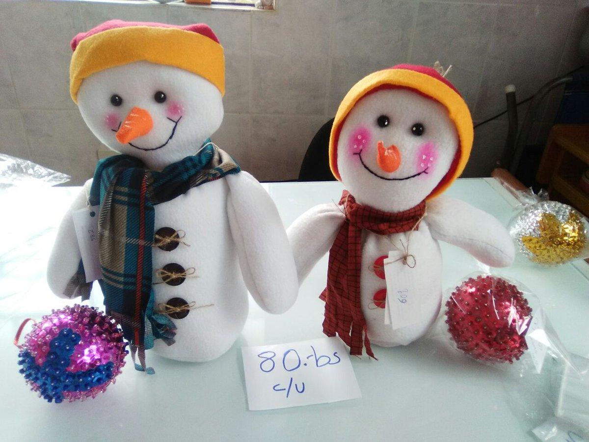 Venden adornos navide os para ayudar a los ni os con for Adornos navidenos para ninos