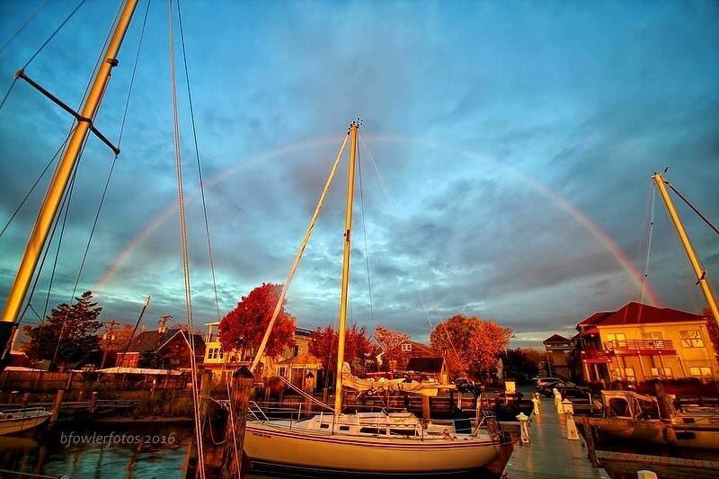 Rare morning #rainbow seen over Annapolis today. Captured by Betty Fowler @eyeonannapolis @capitalweather @TonyPannWBAL