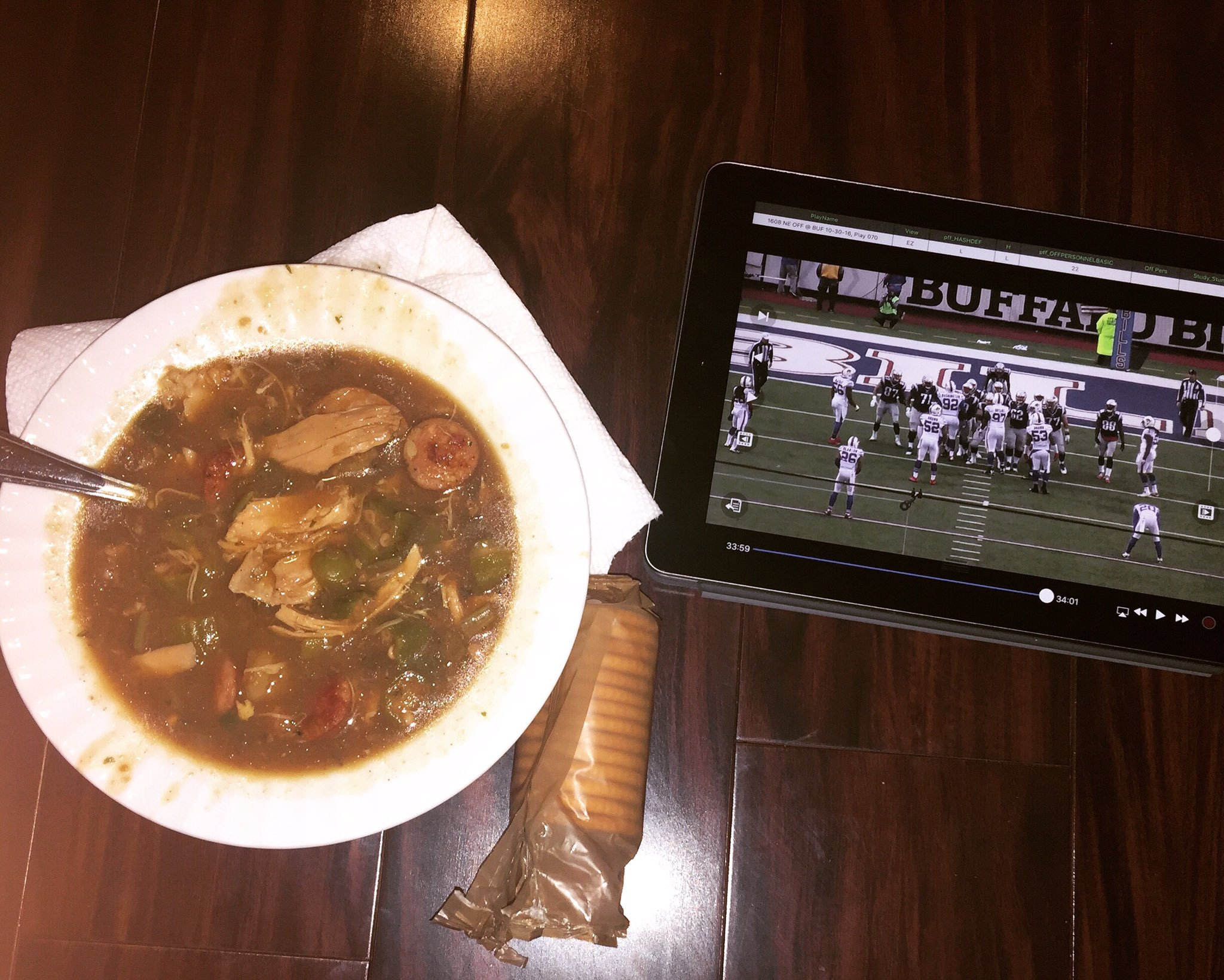When you're getting a massage and studying film and your wife brings you a bowl of gumbo >>>>>>>  Thanks baby! https://t.co/Z2blI2WMCs