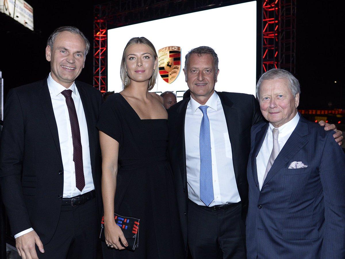 A really nice evening celebrating the grand opening of the Porsche Experience Center, LA #PECLA @PorscheNewsroom https://t.co/9av3PDFO4s