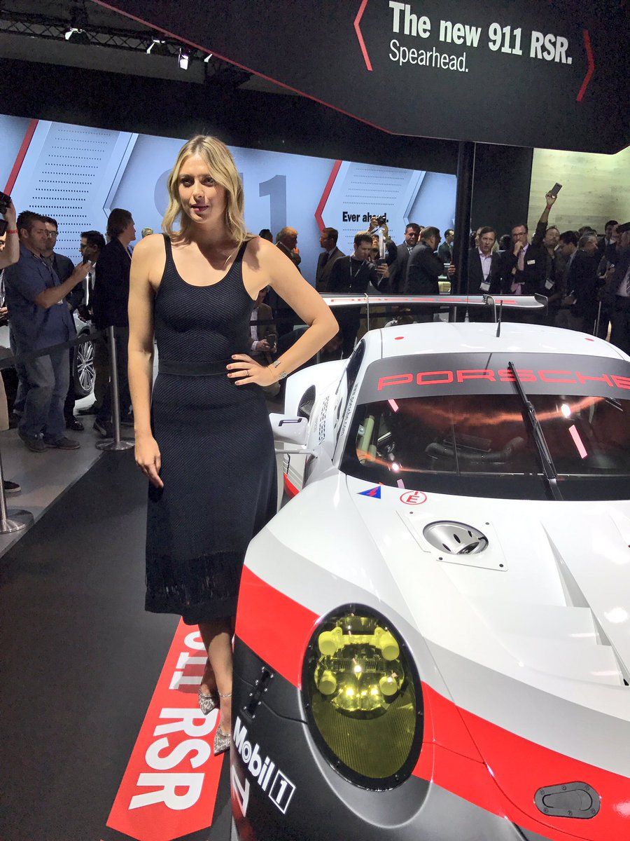 RT @PorscheRaces: Took a close look at the #New911RSR : @MariaSharapova at #LAautoshow https://t.co/1IEnQda2AB