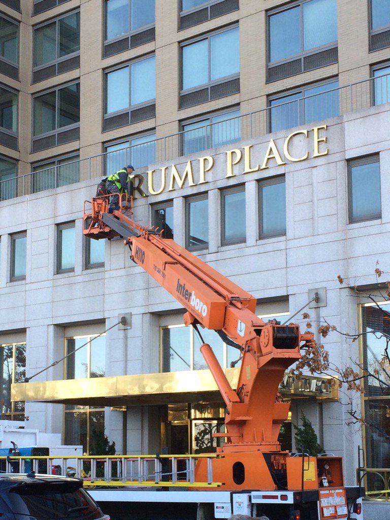 NOW: Trump name being taken off apartment building in New York. Residents petitioned for removal. https://t.co/Sw4w6a1DX5