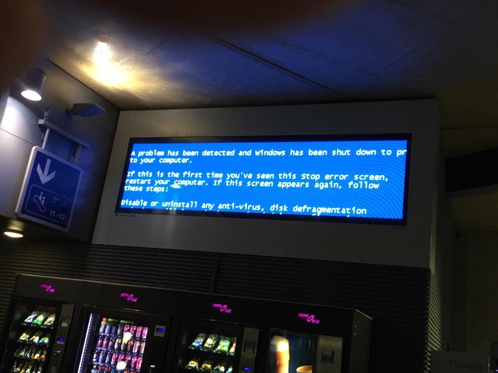 De #bluescreen gaat duidelijk niet mee met z'n tijd #microsoft #nmbs https://t.co/VIOFYN35jC