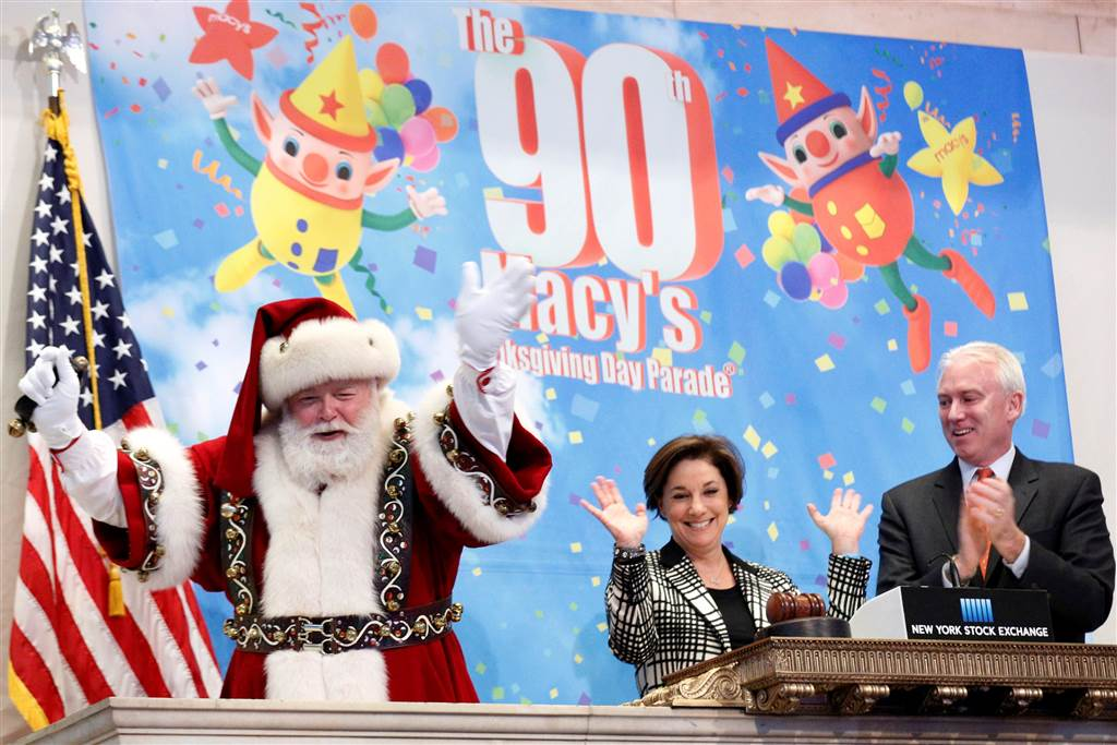 PHOTOS: New York City prepares for the 90th Macy's Thanksgiving Day Parade