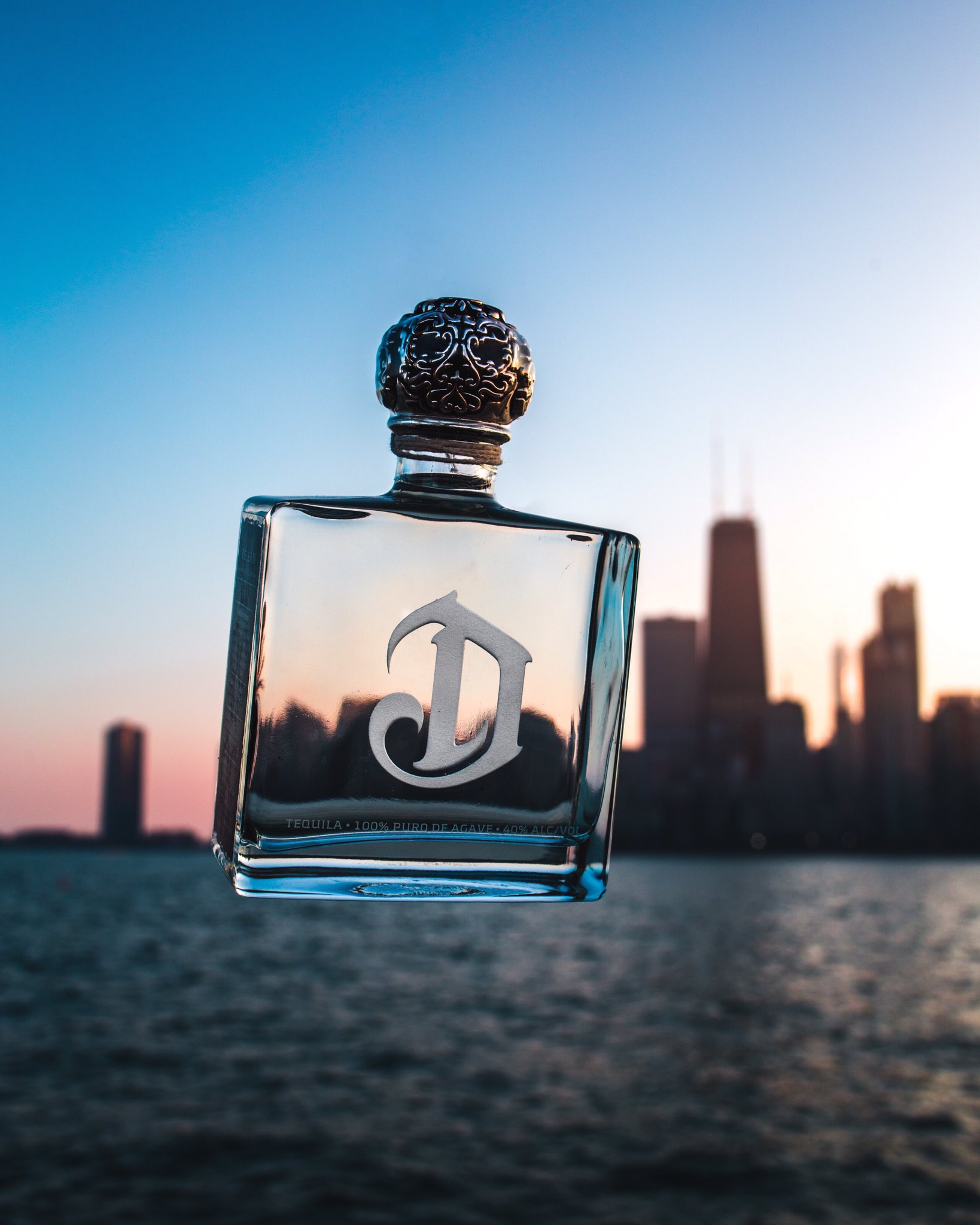 CHICAGO!! We're here to introduce you to @deleontequila and bring you to #TheNextLevel!! Let's GO!! #DeleonNIGHTS https://t.co/Si5VpvHBec