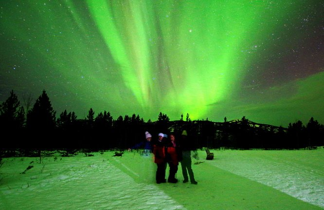 A2 The Northern Lights are totally magical in the #yukon #BestTrips2017 https://t.co/jvhjRyeyGQ