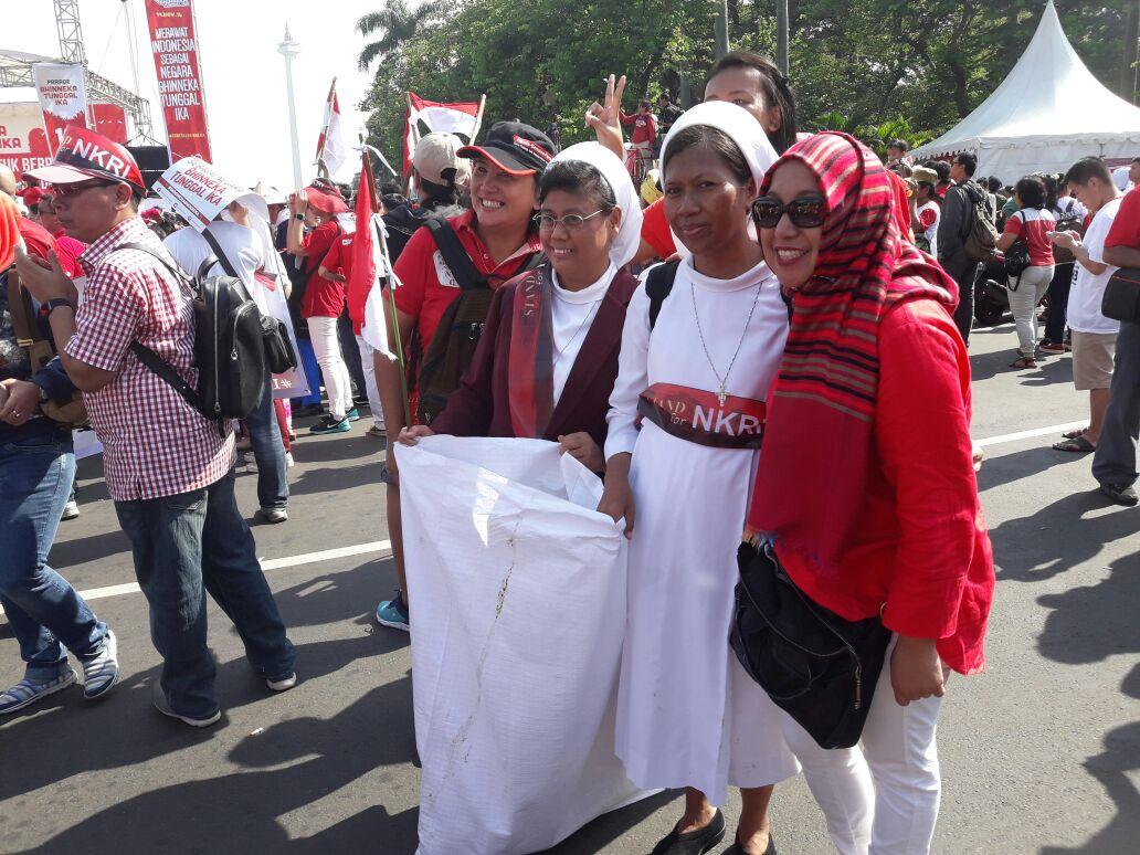 Selamat merayakan #IndonesiaBhinneka, wahai warga Indonesia. https://t.co/DOoKLVHvGM