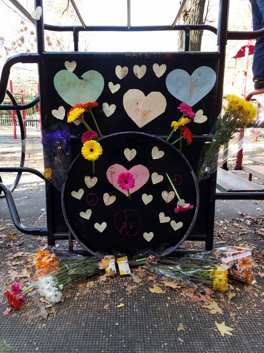 Ugly message of hate at Brooklyn park dedicated to @beastieboys Adam Yauch already replaced with messages of love. https://t.co/7vbH3g9Je8