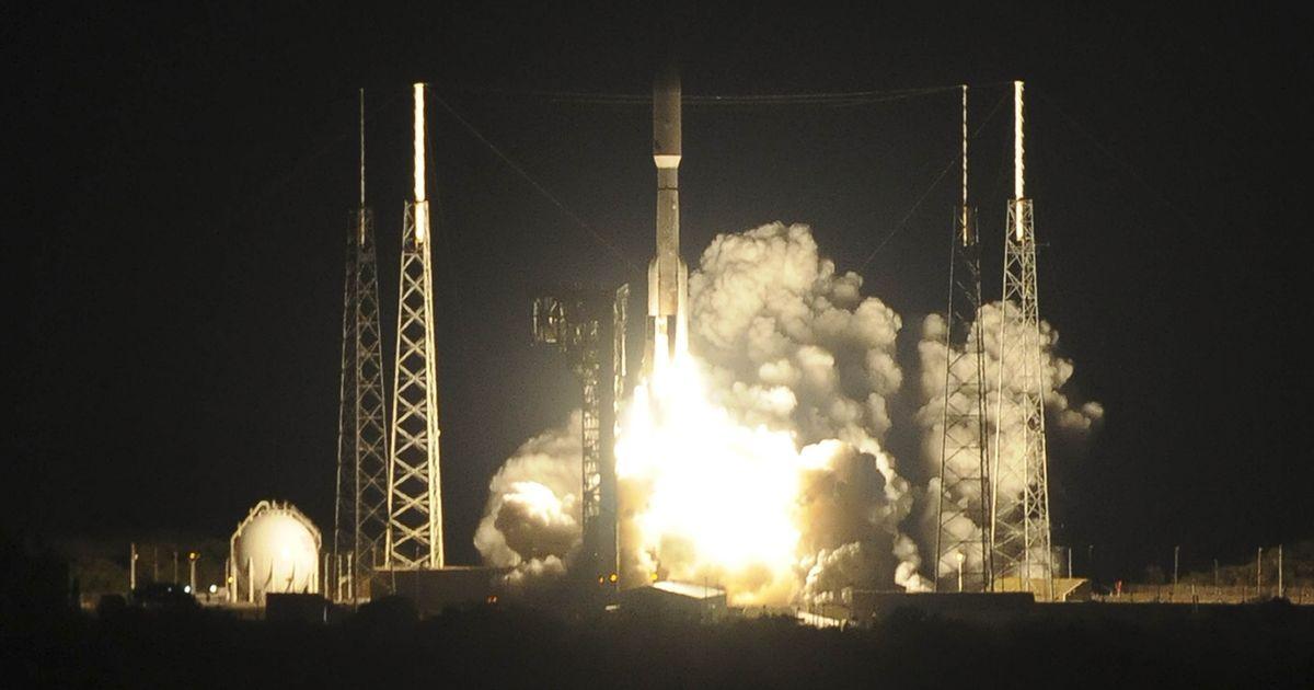 Atlas V rocket blasts off with next-gen weather satellite