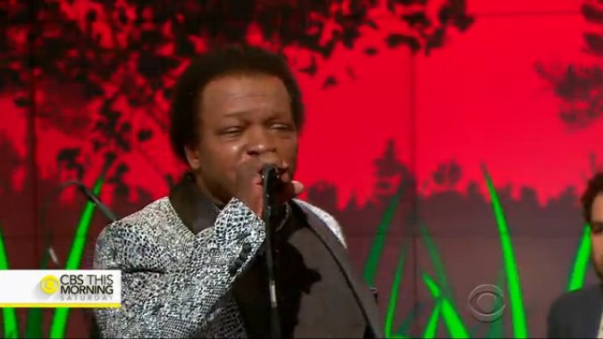 """On @CBSThisMorning's Saturday Sessions Lee Fields & The Expressions perform """"Make The World"""""""