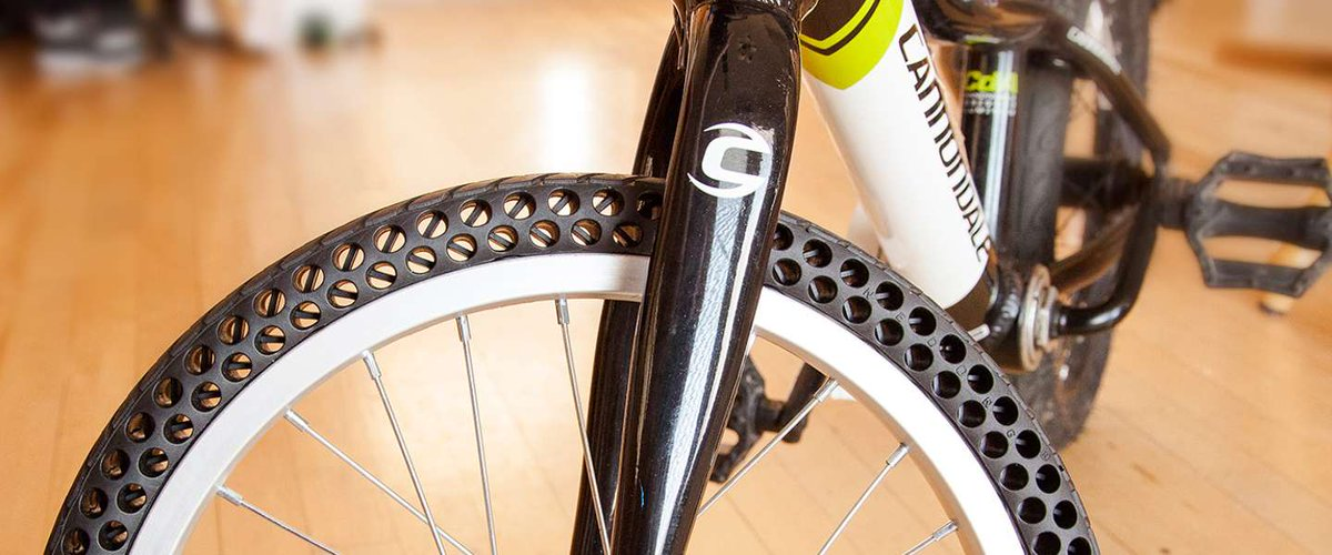 Bedrijf in Utah maakt fietsband die niet lek kan. https://t.co/EtFjeatT6f https://t.co/jI5xEMshMl