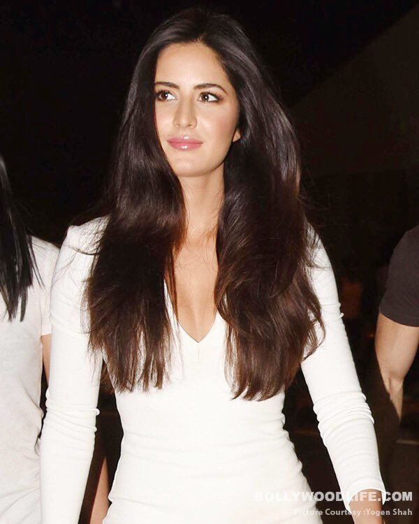 Katrina Kaif spotted leaving the Coldplay Concert.  #KatrinaKaif #GlobalCitizenFestivalIndia https://t.co/b43owFjn1J