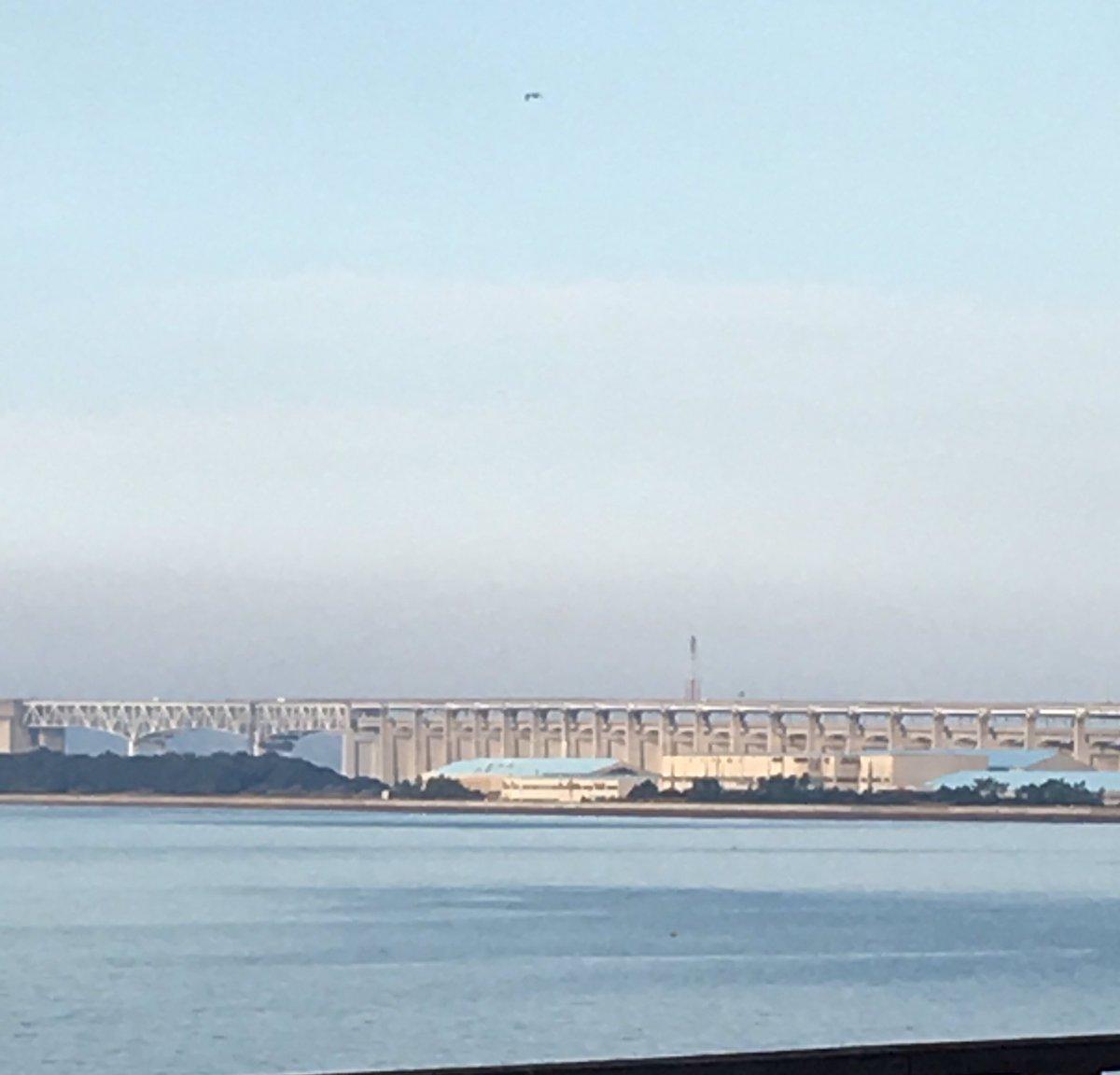 瀬戸大橋、海辺は寒くなりだしたなぁ、ポケモンもう出来ないかなぁ〜。