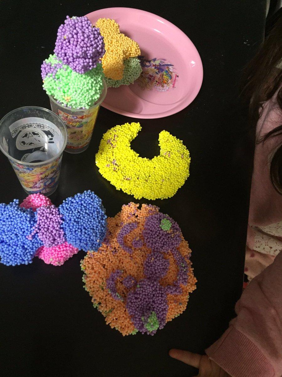 今日は久々にお家でまったり過ごしました(=´∀`)人(´∀`=)つぶつぶ粘土?!楽しかった♫三日月作ってって言うから作っ