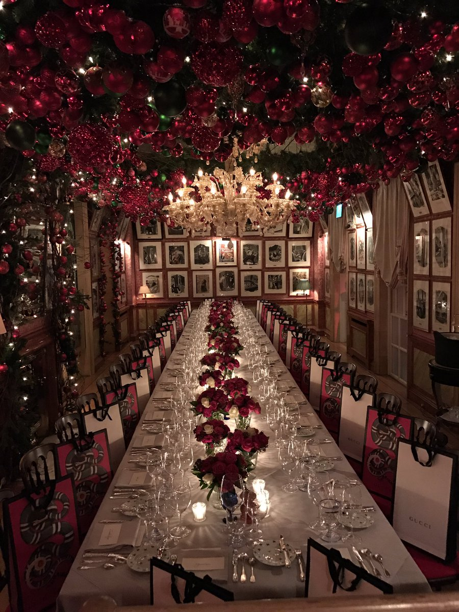 London, sunday night: the table is ready #MadeInItaly @gucci https://t.co/hSTtuLM755