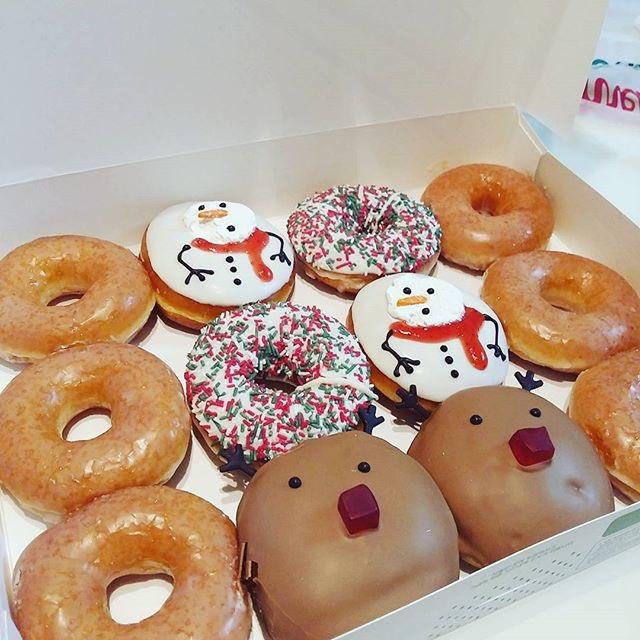 韓国クリスピークリームドーナツクリスマス期間限定商品🎄❄️雪だるまやトナカイなどかわいいドーナツがたくさん🍩そしてスヌー