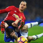 Everton hold Manchester United thanks to late penalty, Liverpool lose thriller to Bournemouth