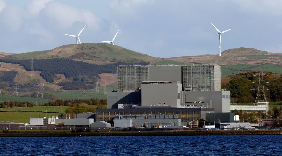 Scientists warn of tsunami threat to Britain's nuclear power plants,