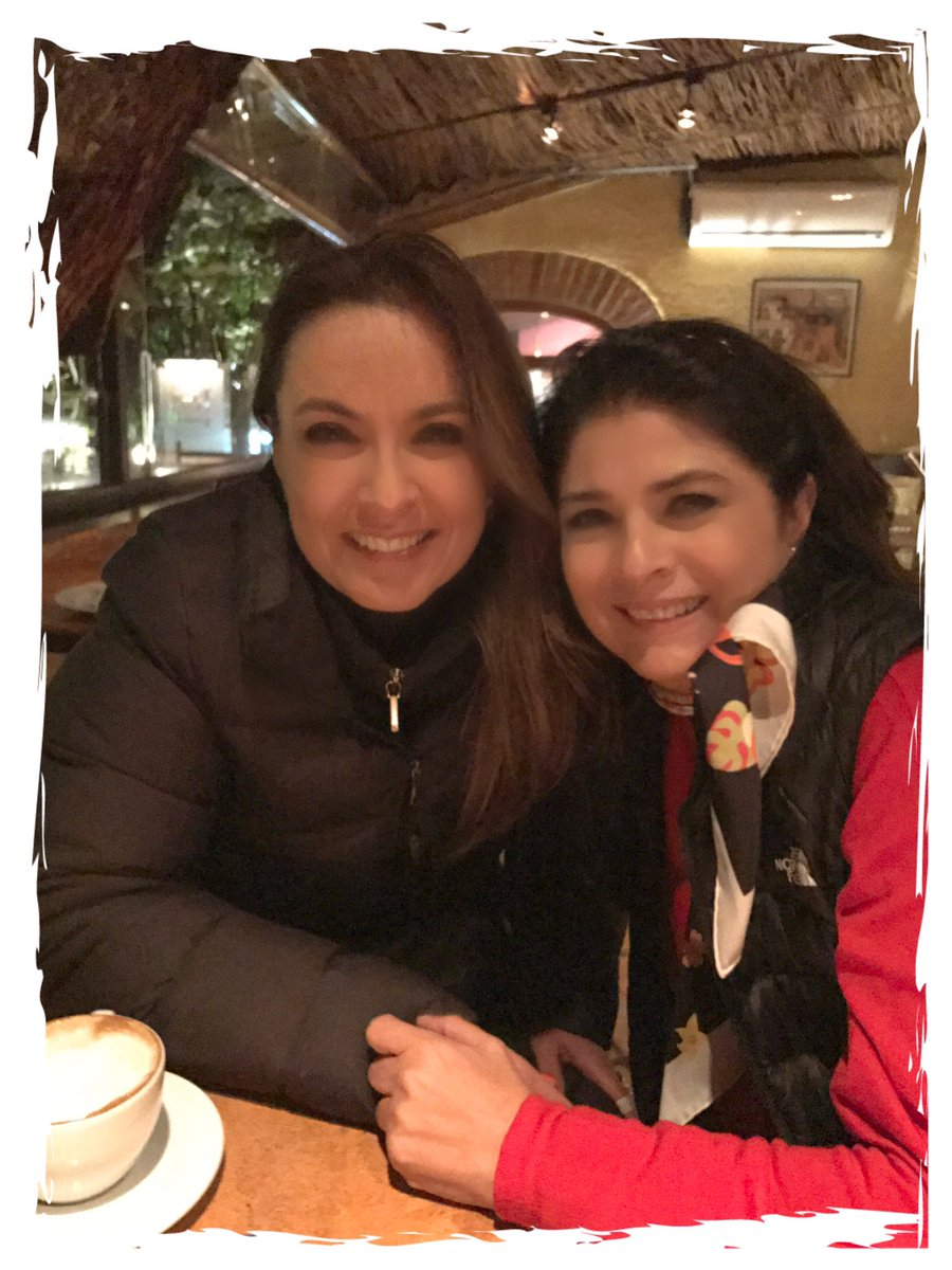 Te quiero mucho querida queen @victoriaruffo31 https://t.co/Bfq9ox1Ear