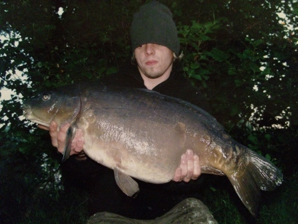 Throwback Thursday and a cracker from Waveney valley lakes 12 years ago #carpfishing #carp #proper<b