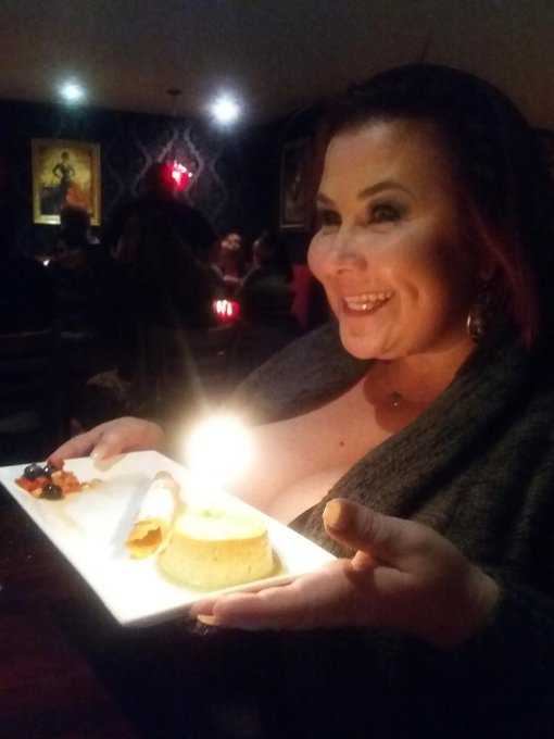 Happy birthday to you! Happy birthday to you! Happy birthday dear @ladylynnxxx! Happy birthday to you