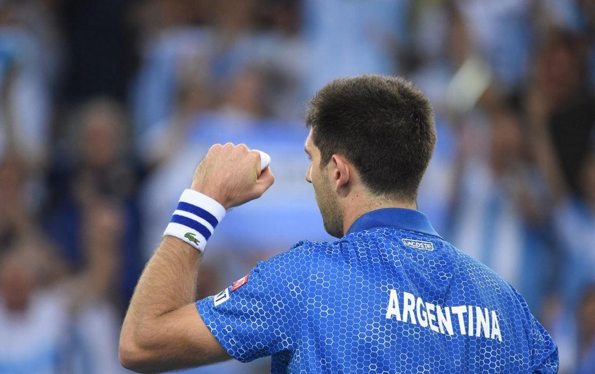 Quiebre de Delbonis 5-2.  El argentino cruzó una bola en la red. Karlovic se derrumba https://t.co/2asaJ90pVK