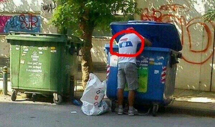 Εξαθλιωμένοι Κουβανοί ψάχνουν στα σκουπίδια https://t.co/qgCt4dT4il