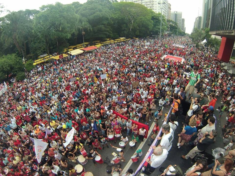 Milhares de pessoas tomam a paulista e dizem NÃO ao governo de Michel Temer! Não aceitamos retrocessos! #ForaTemer   Fotos: Yuri Perez / UNE