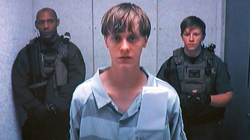 NEW: Judge allows Dylann Roof, alleged Charleston church shooter, to defend himself