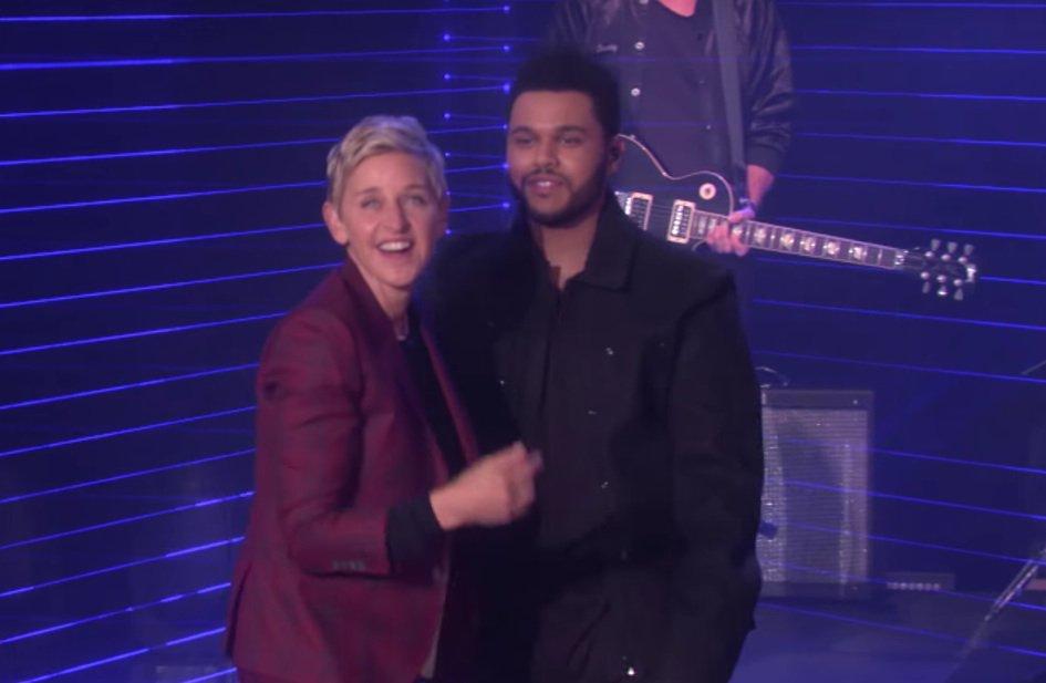 """Watch @TheWeeknd sing """"Starboy"""" on Ellen https://t.co/3dnr94brVu https://t.co/fqvk2z5jKK"""