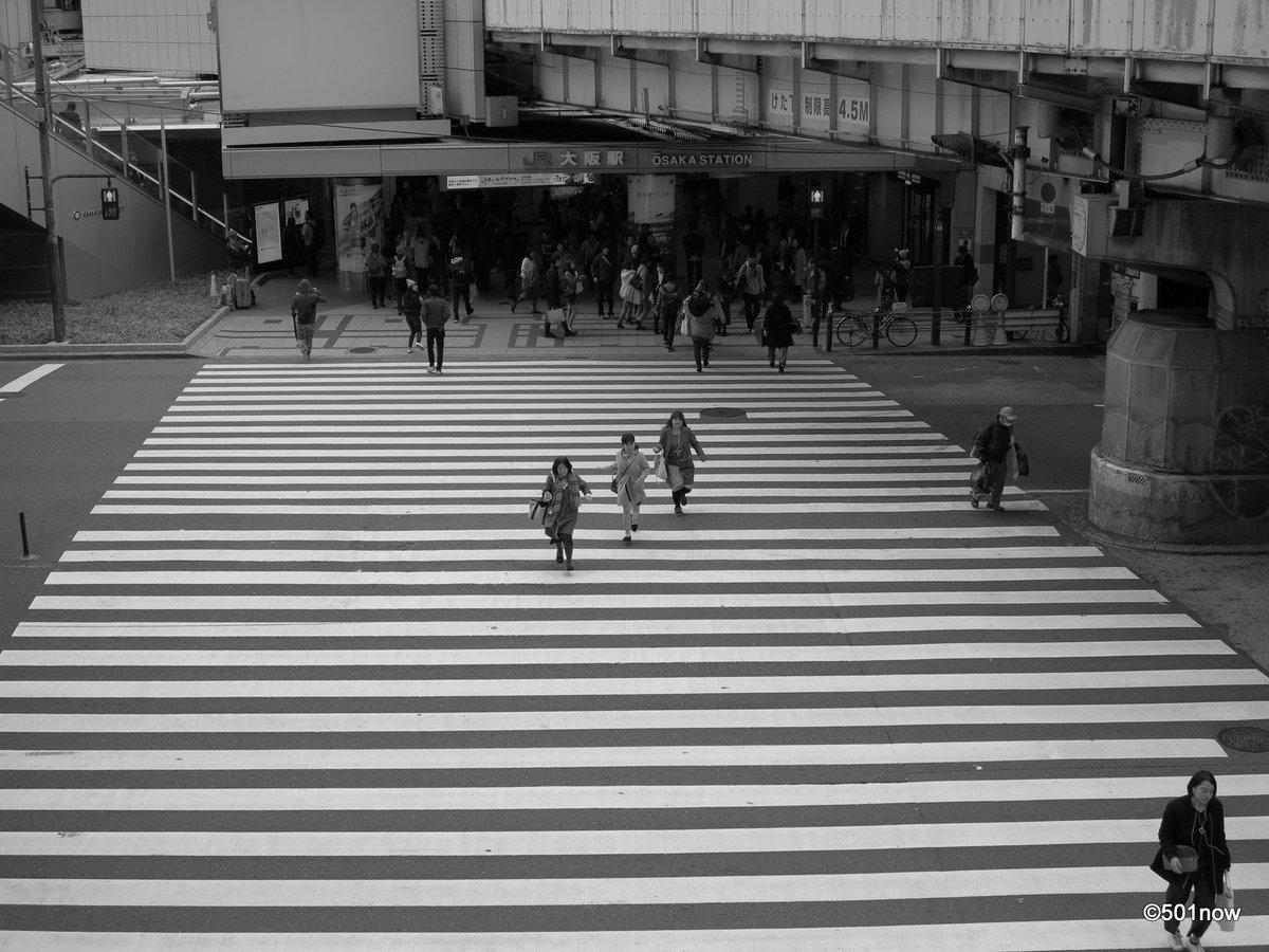 『JR大阪駅前 #6』#写真撮ってる人と繋がりたい#写真好きな人と繋がりたい#ファインダー越しの私の世界#写真 #カメラ